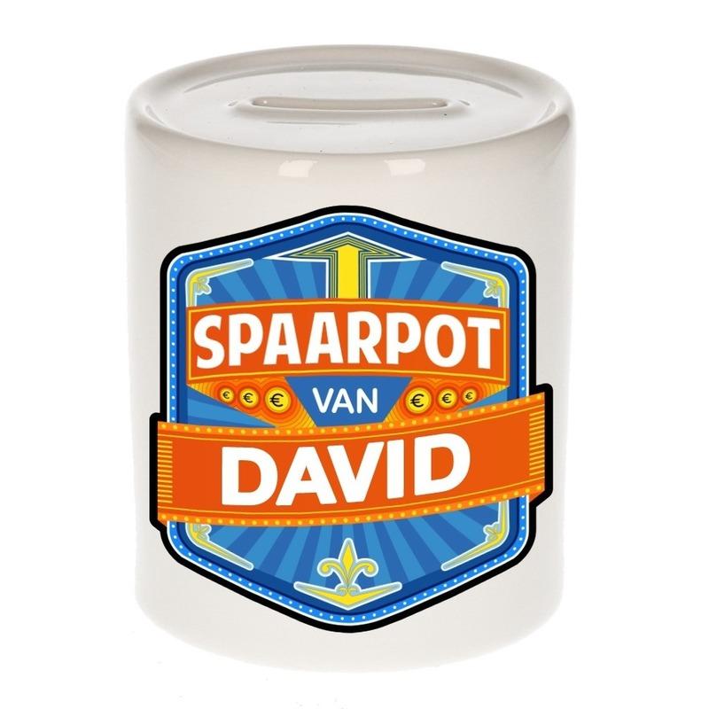 Kinder cadeau spaarpot voor een David Cadeau /feestartikelen/geboorte-feestartikelen/artikelen-van-namen/jongens-namen-art/jongens-namen-met-een-d/david