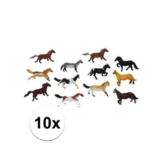 Setje van 10x stuks plastic paardjes van 6 cm
