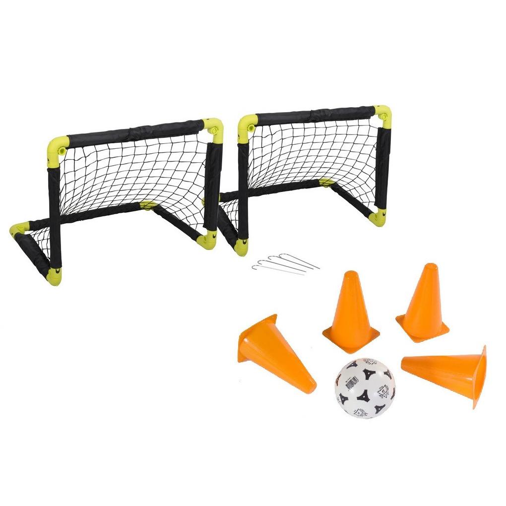 Voetbal set 2x opvouwbare voetbaldoelen 50 cm met bal en 64x pionnen